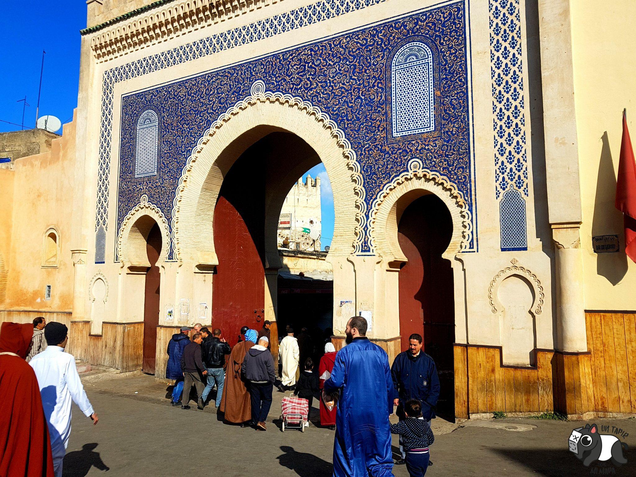 Puerta Azul.