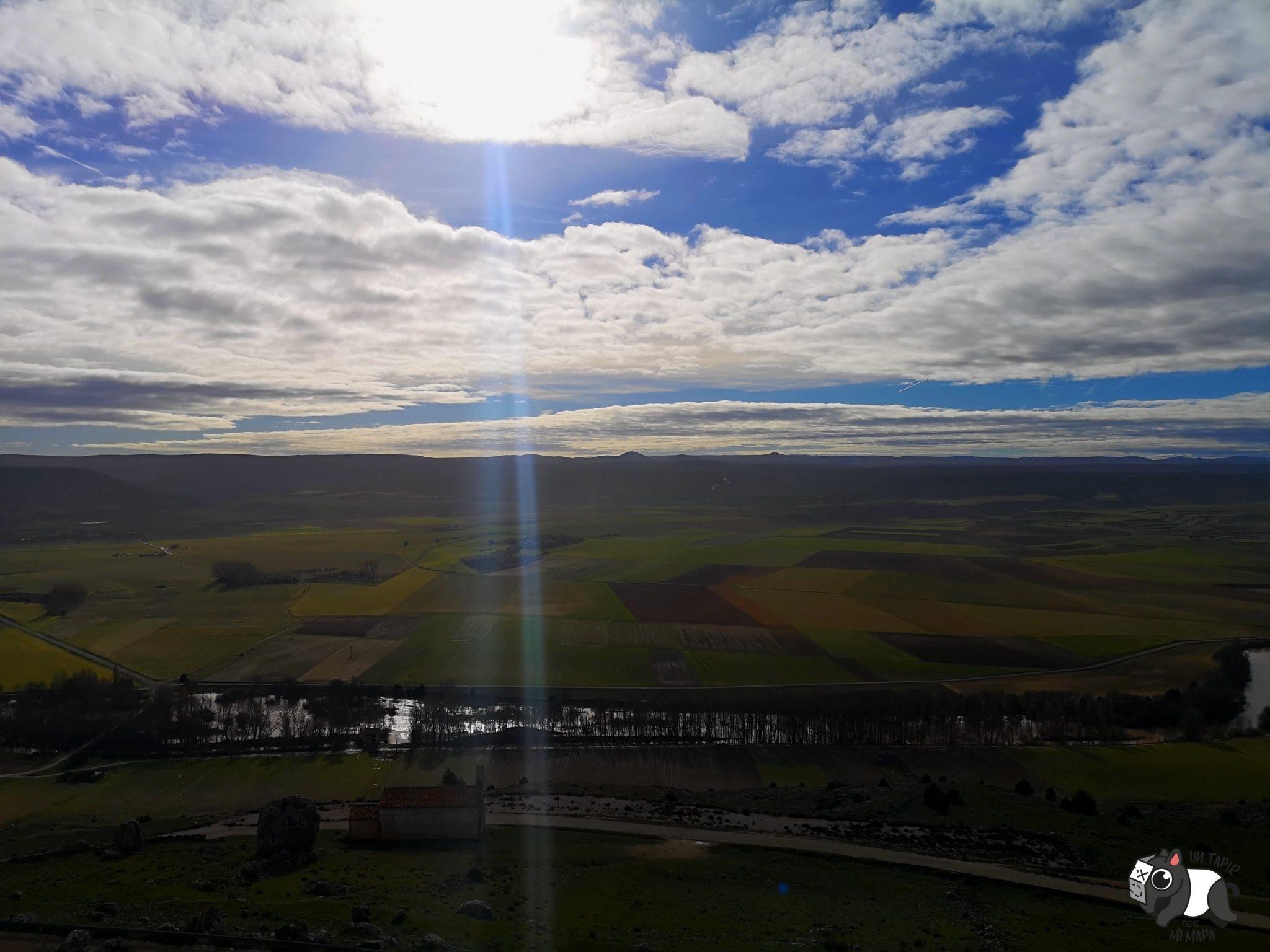 Cielo, Duero y ermita, desde lo alto del castillo de Gormaz.