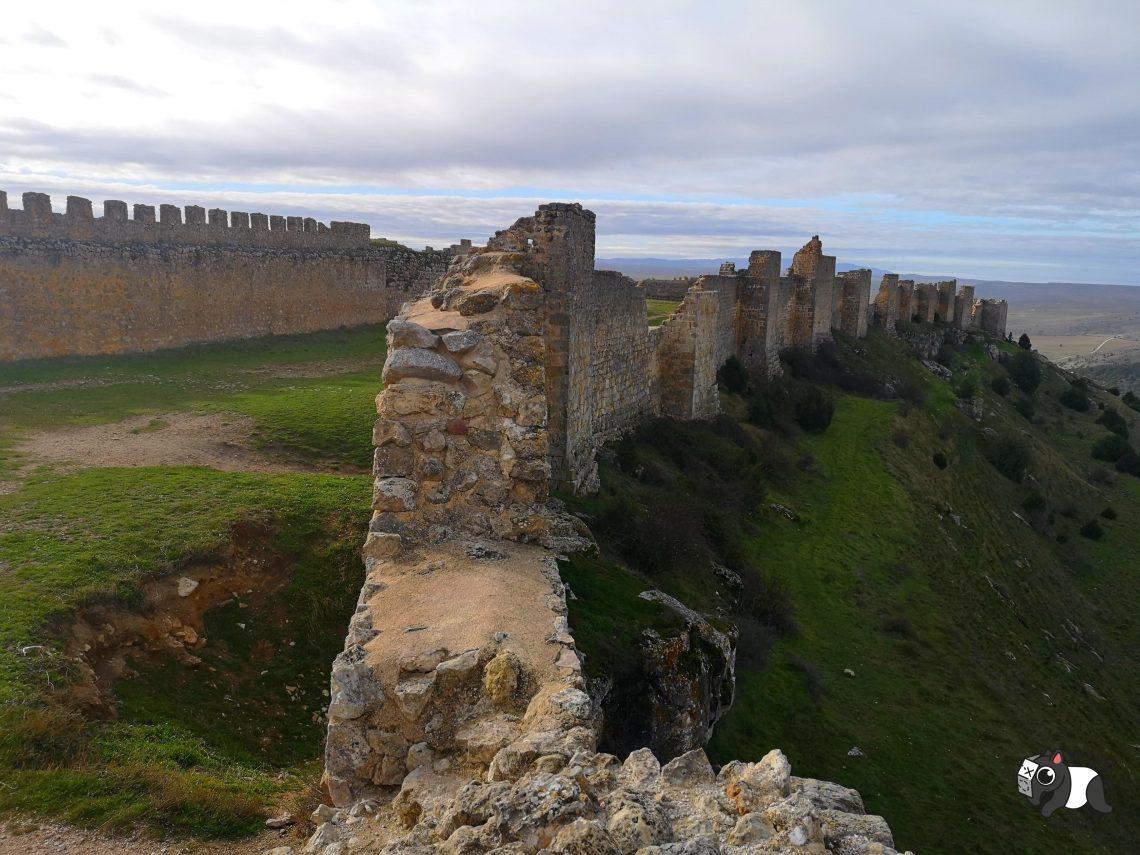 Vistas de las murallas del castillo de Gormaz.