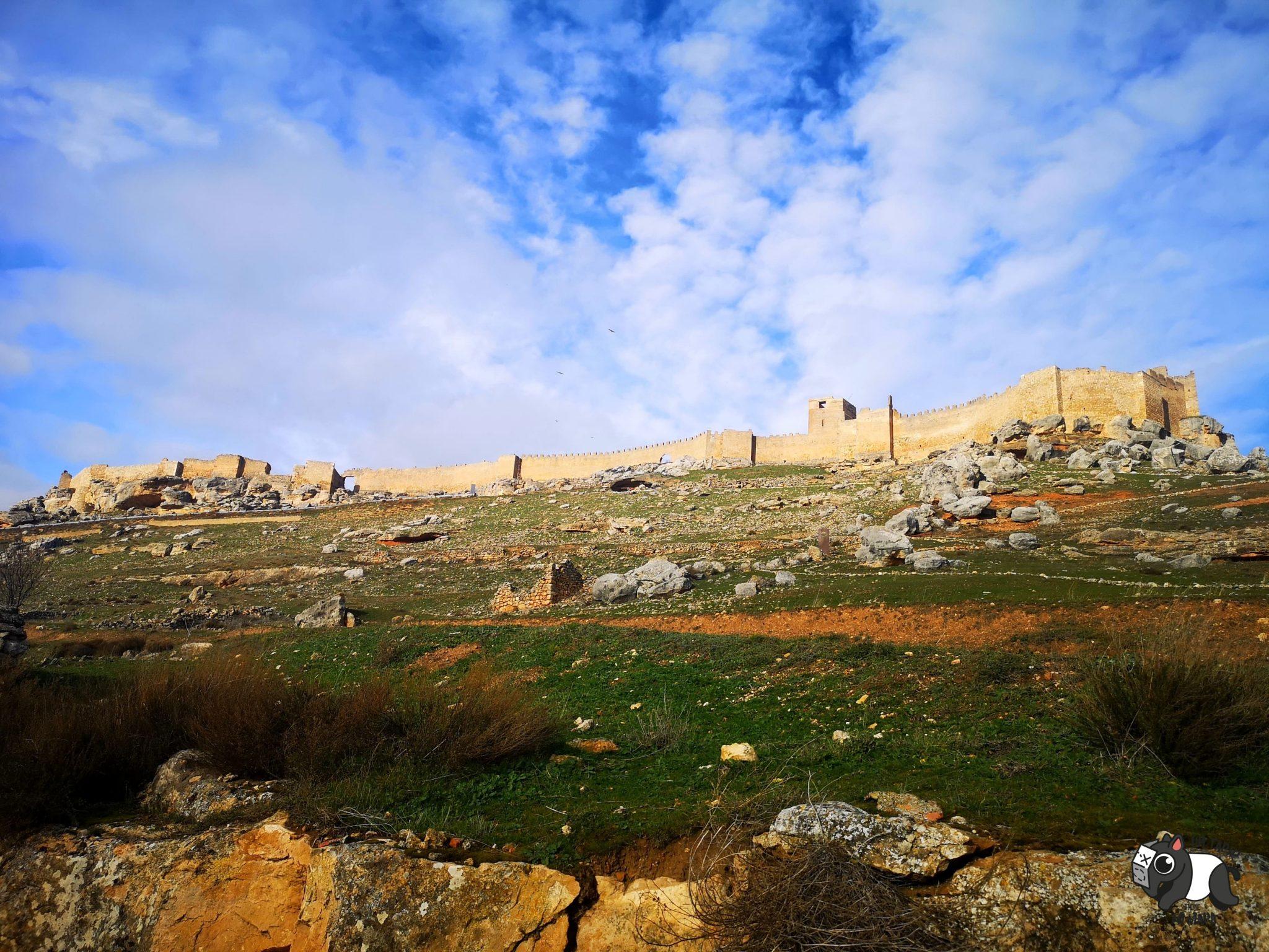 Castillo de Gormaz desde el pueblo de Gormaz.