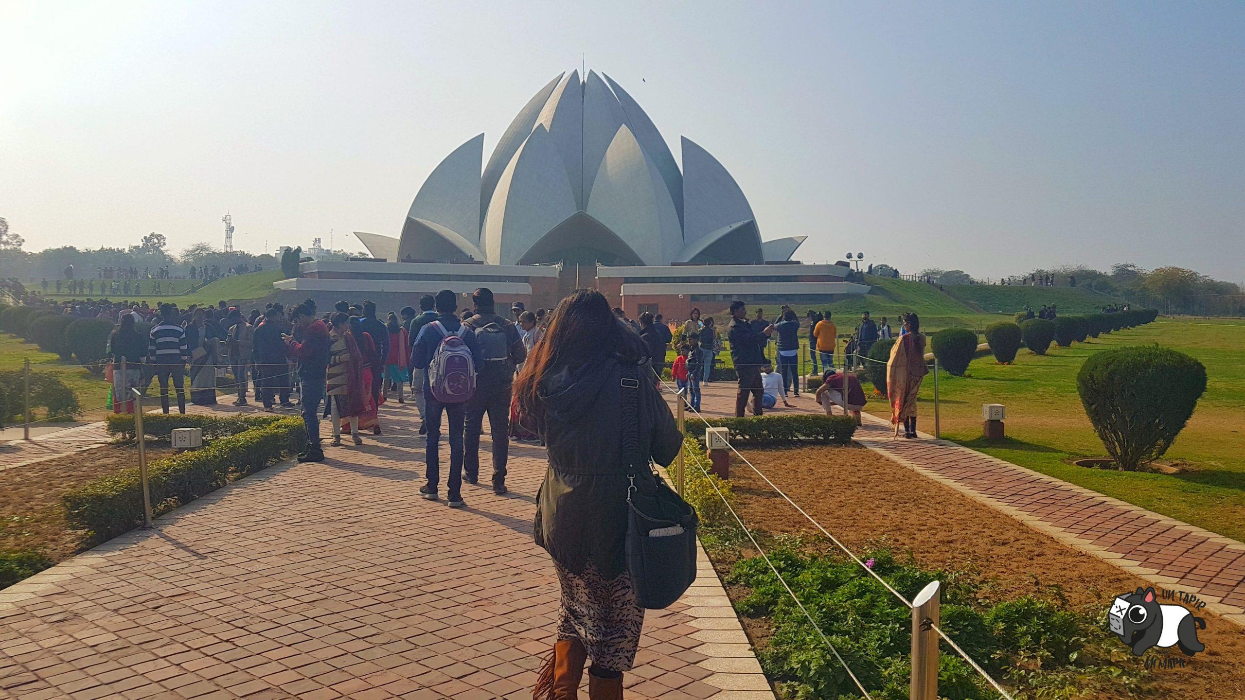 Entrada al Templo de Loto o Lotus Temple.