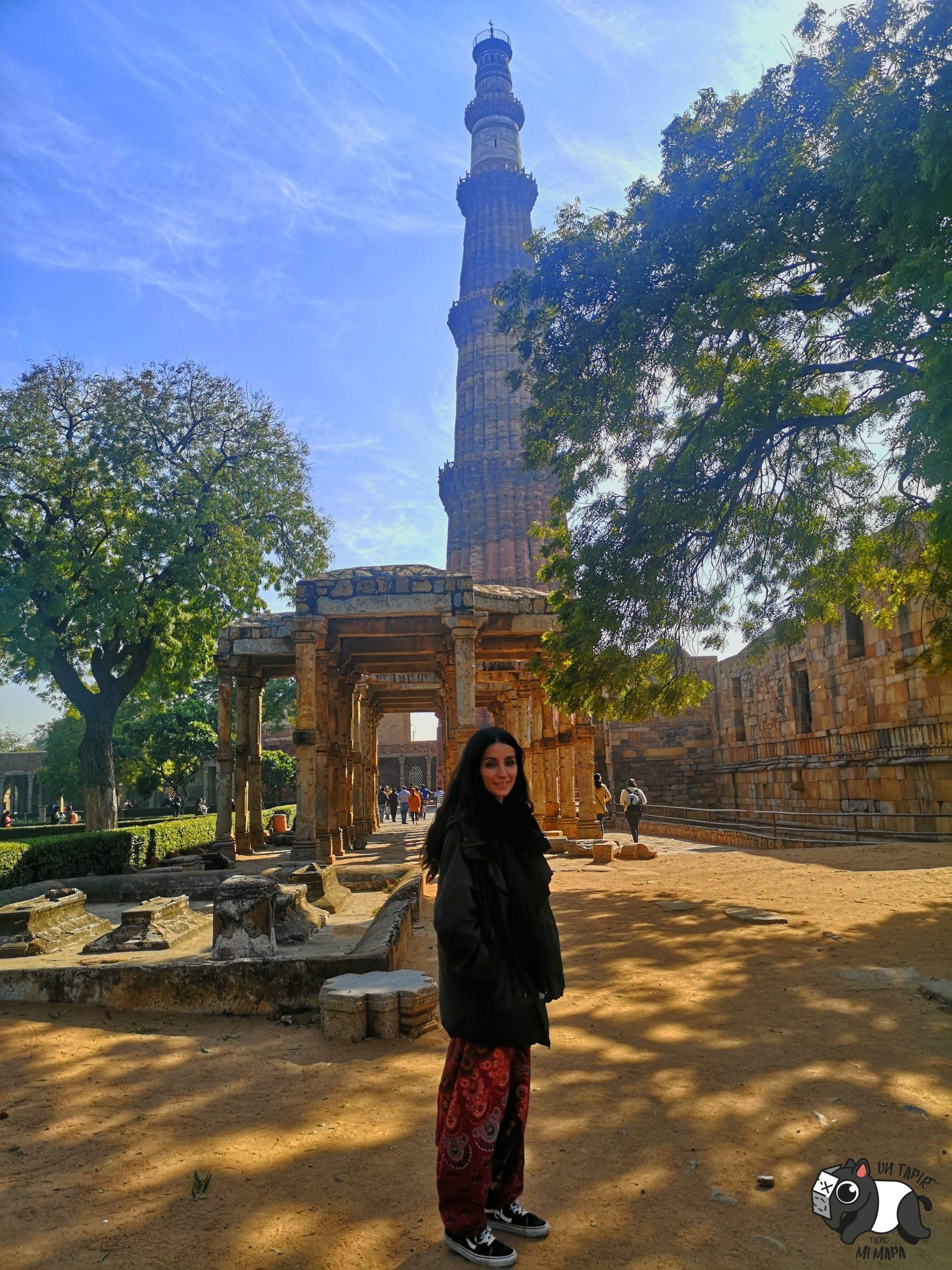 Mezquita Quwwat ul-Islam y Qutab Minar.