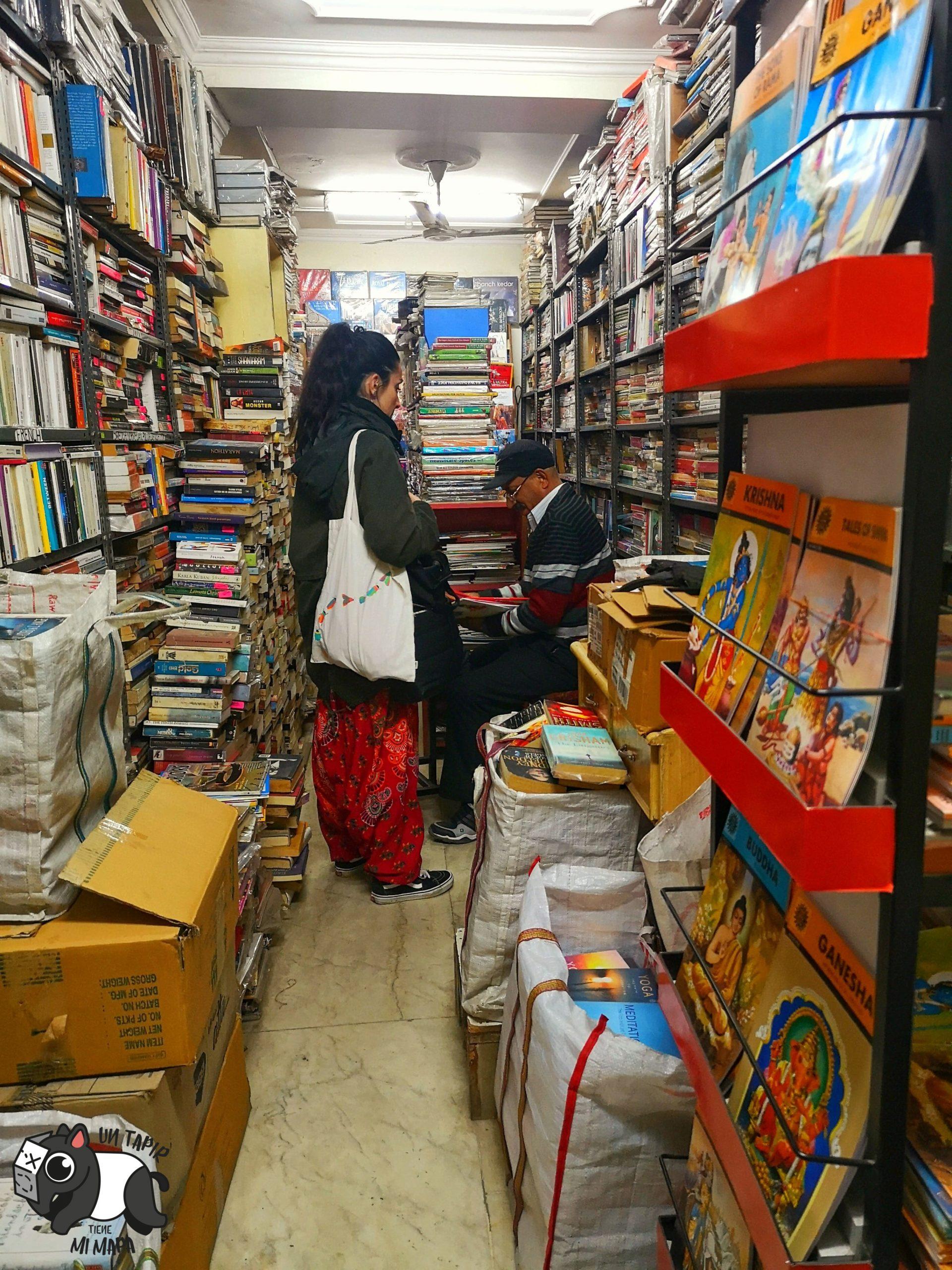 Librería del Main Bazaar en Delhi.